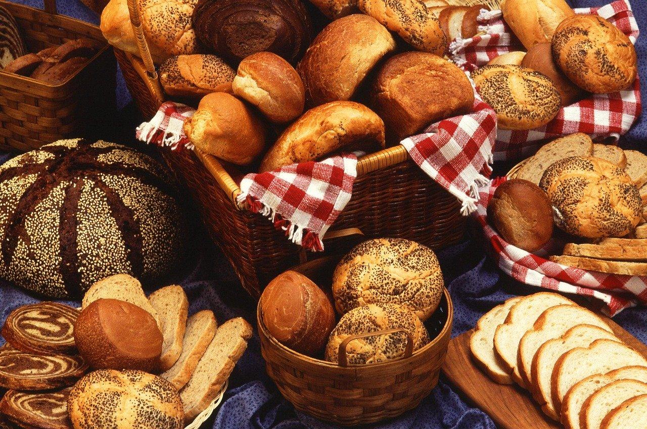 Bread, dinner rolls, baked from scratch